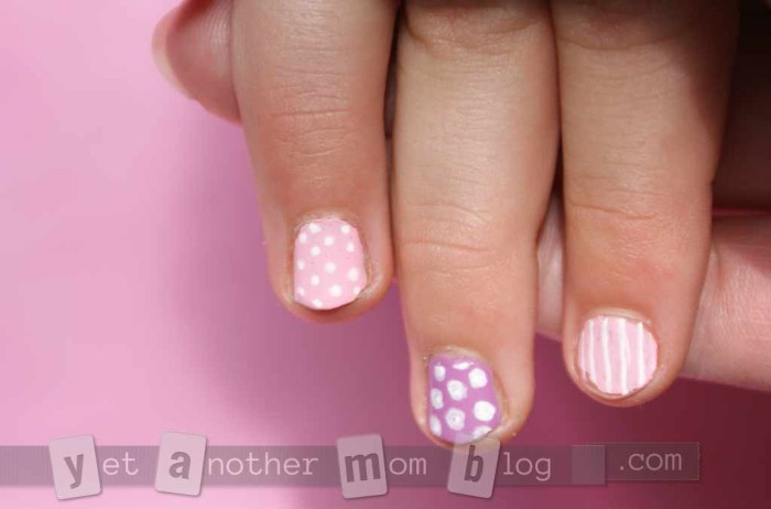 Super Easy DIY Nail Art - closeup