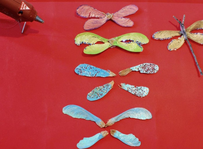 Nature Craft: Dragonflies - painting and assembling the wings